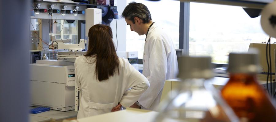 Cromatografos, Laboratorio Físico Quimico, Azti-Tecnalia, Centro Tecnológico de Investigación Marina y Alimentaria, Derio, Bizkaia, Euskadi, España