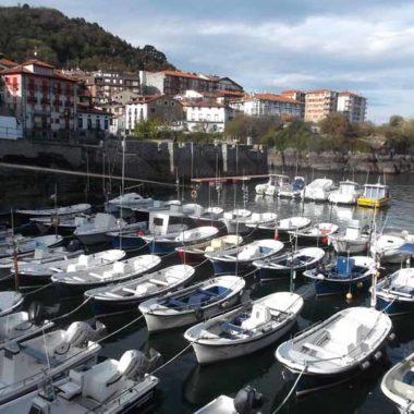 puerto pesquero del paí vasco mundaka