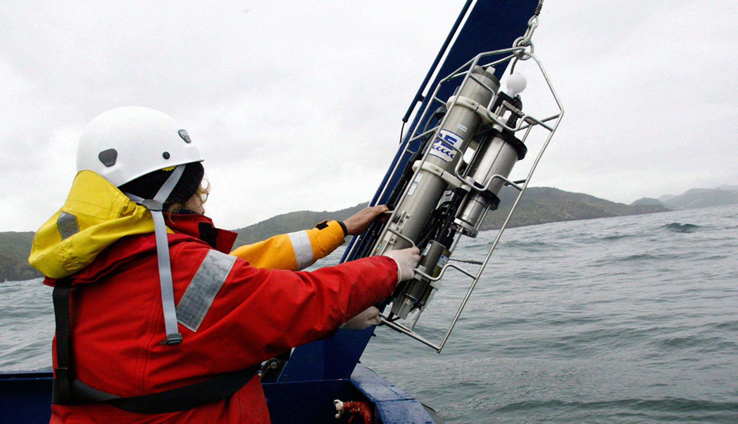asesoria ambiental de actividades marinas. Contaminación marina