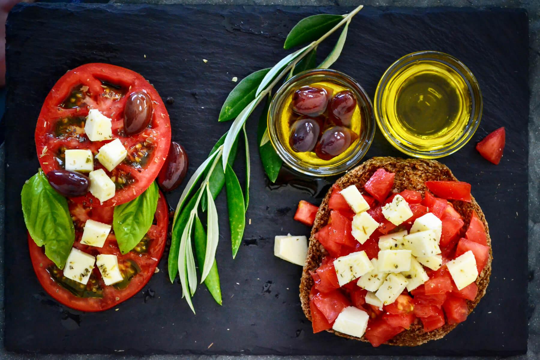 dados de tomate y queso alimentacion saludable y sostenible