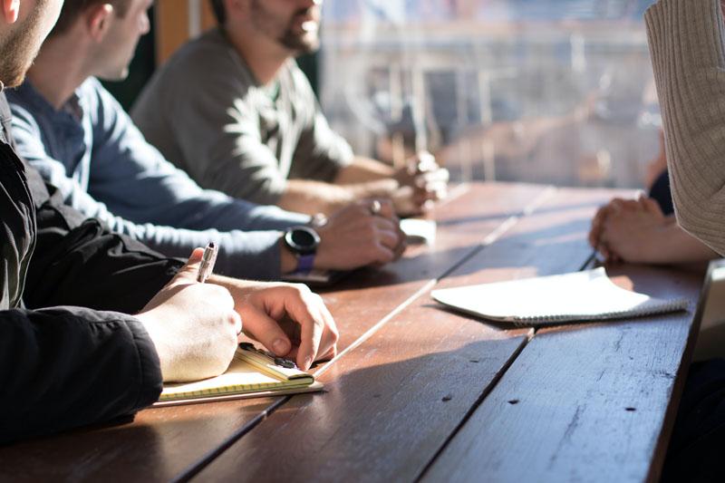 Focus group con consumidores presenciales y online